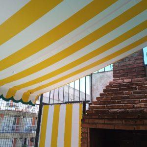 toldos Plegables con lona rayada amarilla y blanco